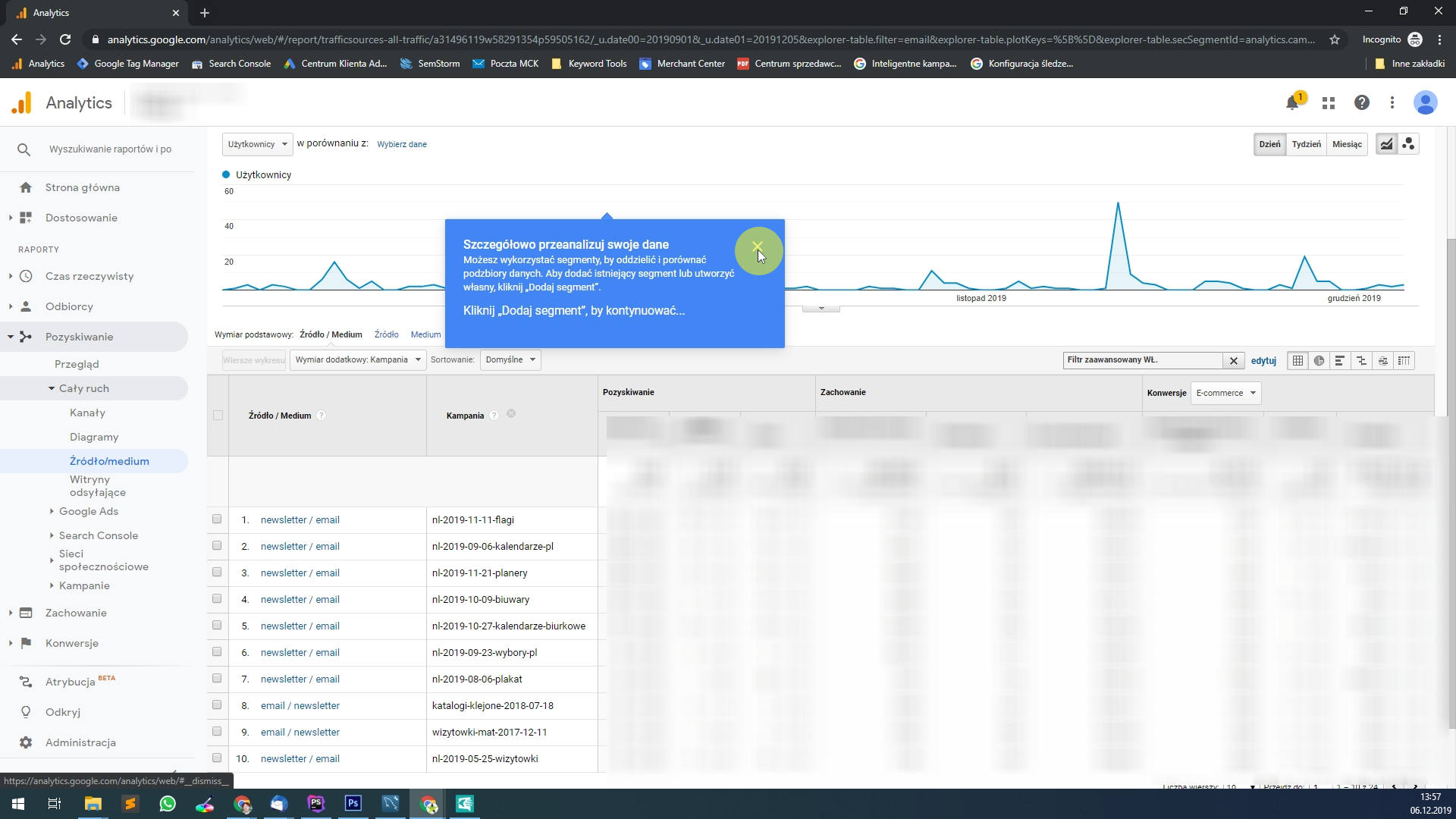 Uzyskujemy w ten sposób widok wszystkich kampanii oraz oznaczeń pełnych tagów: utm_campaign / utm_medium / utm_source dla medium email.